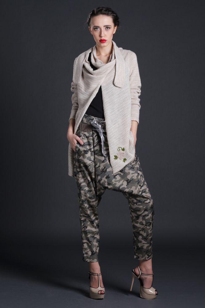 Pantaloni Chan, print army