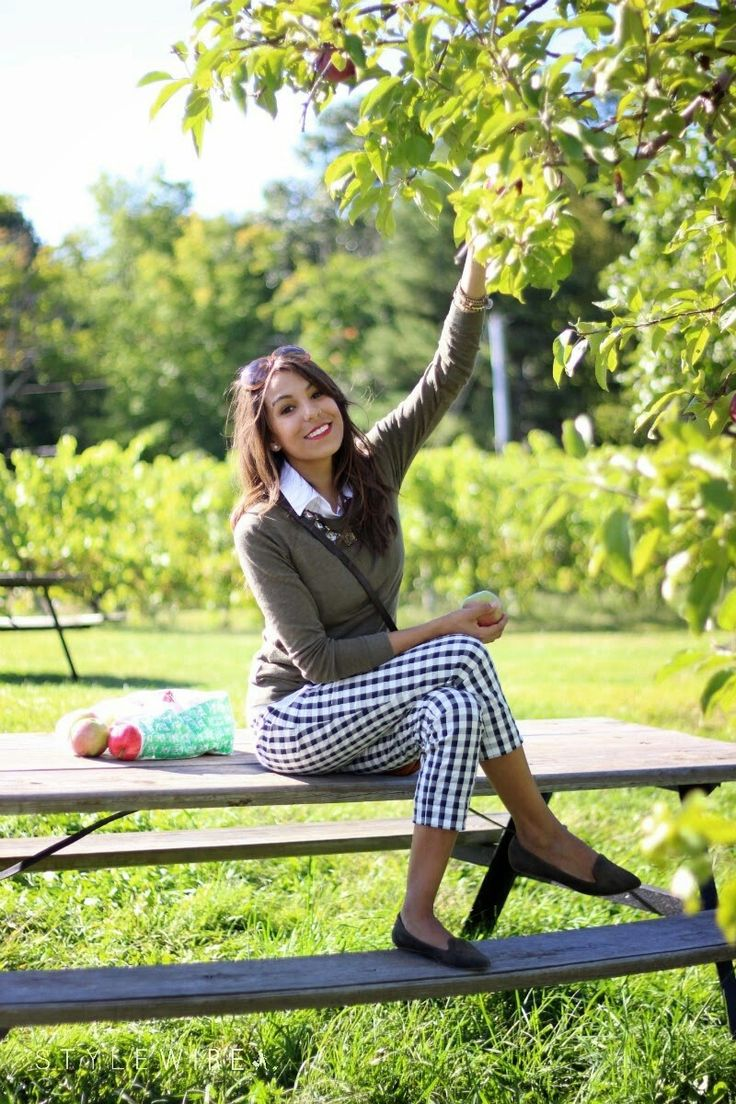 New England Classic Style | Gingham crops | Apple picking