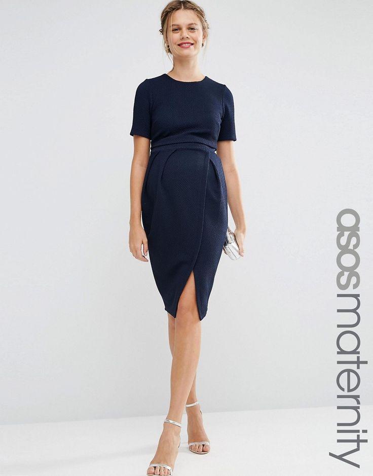 Imagen 1 de Vestido texturizado de doble capa con efecto movimiento de ASOS Maternity