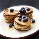 Bananpannkakor med blåbär & lönnsirap - Recept från Mitt kök - Mitt Kök