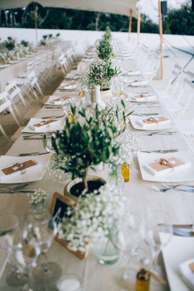 Ingrid Lepan - Un mariage en blanc a Gordes - La mariee aux pieds nus