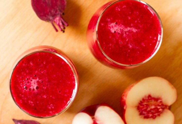Beetroot, Apple and Berry Smoothie - Nadia Lim