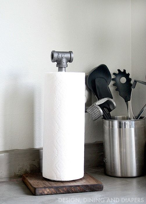 DIY Industrial Farmhouse Style Paper Towel Holder! Made from wood and plumbing pipes.