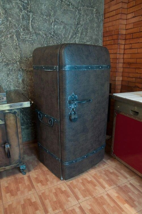 Steampunk Gothic fridge. Probably not practical for my actual kitchen, but perfect for the lab -- er, I mean studio/office.