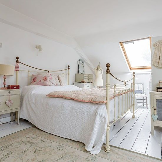17 best ideas about vintage style bedrooms on pinterest bedroom vintage apartment bedroom - Old style bedroom designs ...