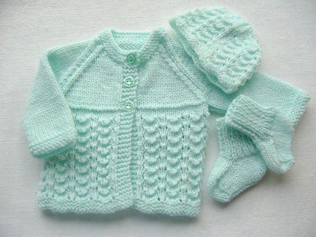 Conjunto bebé prematuro - http://www.bbc.co.uk/stoke/content/articles/2006/04/18/premature_baby_jacket2_feature.shtml
