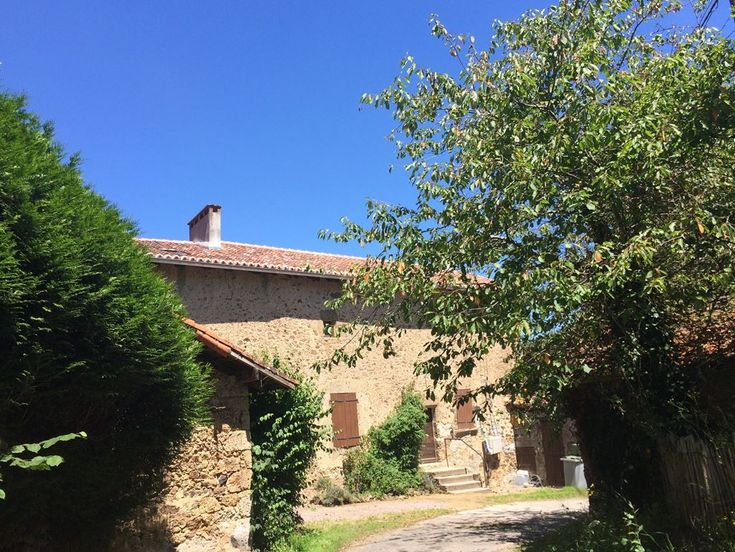La Vieille Ferme -  lovely 4 bed #Charente cottage. Visit #Limoges, explore the countryside, shop at markets and go to nearby Lacs de Haute Charente - the perfect place to hire a pedalo, swim or just sun bathe on the beach!