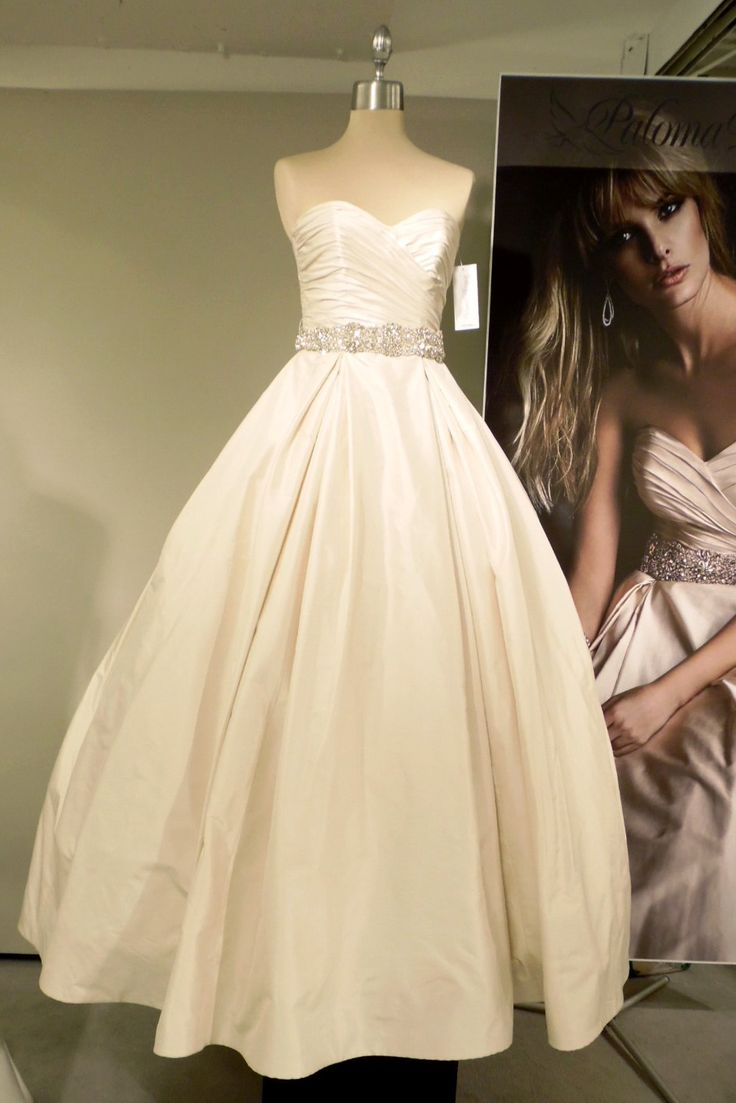 10 gowns we love from the chicago bridal runway shows for Wedding dress boutiques chicago
