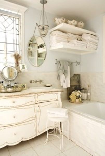 lovely vintage bath