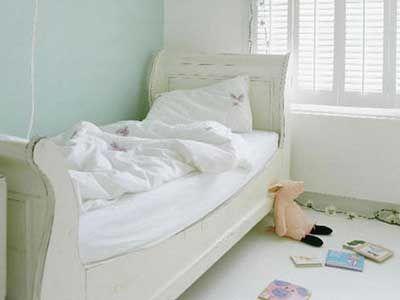 Decorate a girl's bedroom | Margaret Hirsch