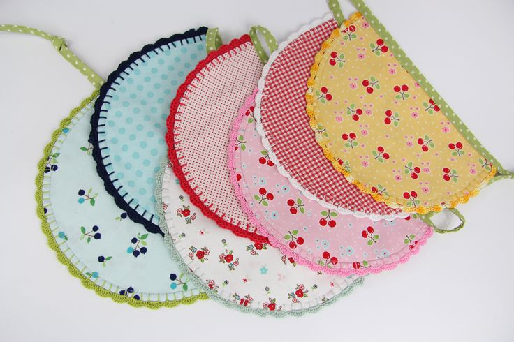 Bunting with crochet ending