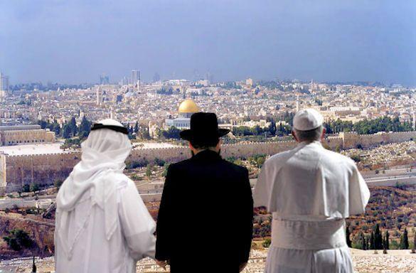 FOTO 4: Israël, en haar hoofdstad Jeruzalem, is een heilige stad voor zowel moslims als christenen als joden.  In het christendom is het de plaats waar Jezus geboren is, voor de islam is het de plaats waar de profeet Mohammed op zijn vliegend paard naar de hemel ging en in het jodendom is het de plaats waar Salomo de eerste tempel gebouwd zou hebben.   Bron: xandernieuws.punt.nl