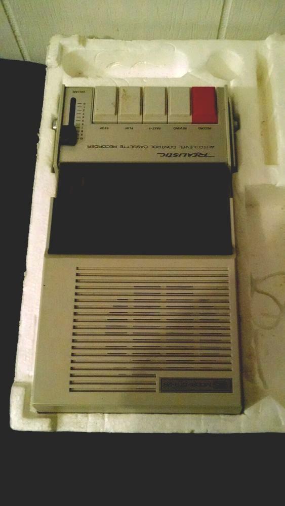 vintage realistic ctr-26 portable cassette player tape ...