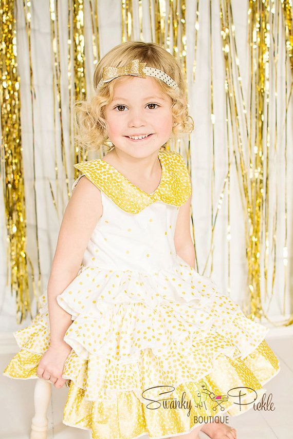 Ivory Gold Headband - Ivory Gold Bow - Gold Glitter Headband - Newborn Infant Toddler Baby Girls - Ivory Gold Hair Bow - Holiday - Christmas This headband is crafted with a 3.25 gold glitter bow attached to 5/8 ivory and gold polka dot elastic. This headband is perfect for