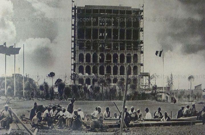 Foto storiche di Roma - EUR. Palazzo della Civiltà Italiana in costruzione Anno: 1940