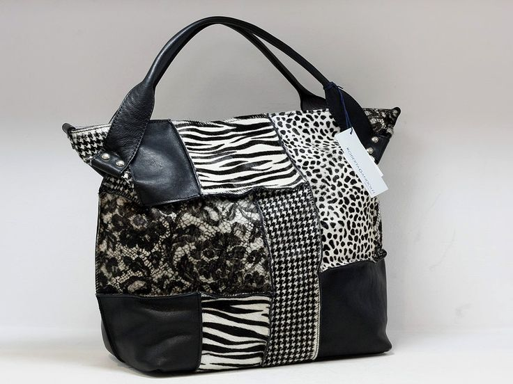 "Suveran bags & more - Administration - Product <small><small>[ Edit ]</small></small> <span style=""color: #666666; font-size: large;""><a href=""http://www.posetepiele.ro/index.php?option=com_virtuemart&view=productdetails&virtuemart_product_id=5026"" target=""_blank"" >Poseta piele J19 (Poseta piele J19)<span class=""vm2-modallink""></span></a></span>"