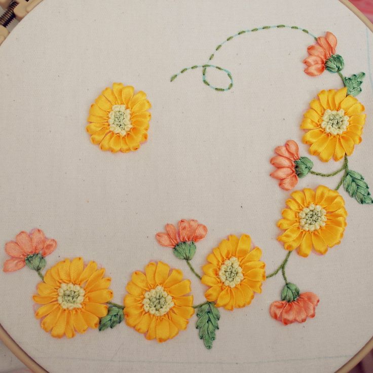 ปักริบบิ้น , ribbon embroidery