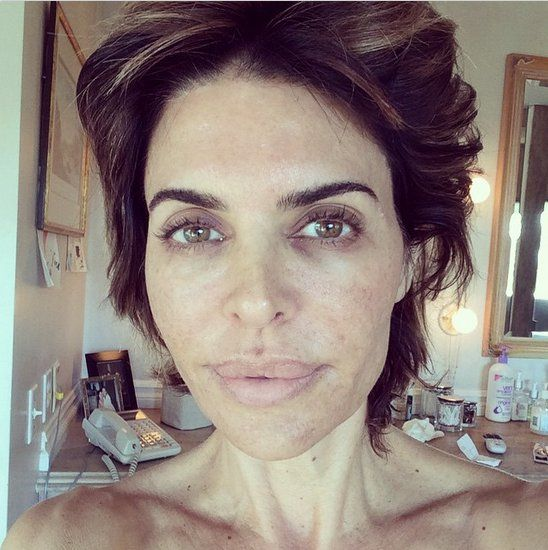 Pin for Later: Why #WakeUpCall Is the New ALS Ice Bucket Challenge For Beauty Lisa Rinna