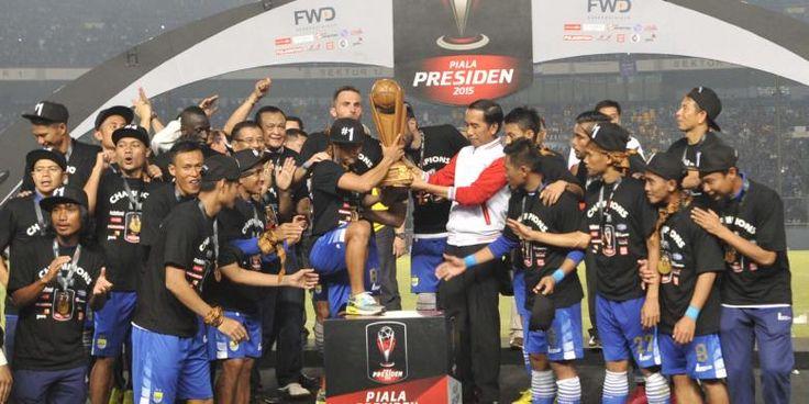 """Kepada latihan ke-2 pascalibur, Persib Bandung kehadiran empat pemain baru. Mereka ialah Jhon Tarkpor (Persijap Jepara), Jajang Maulana (Sriwijaya FC), juga dua eks pemain Persipasi Bandung Raya (PBR), Gavin Kwan Adsit & Ibrahim Conteh. Keempat pemain tersebut bergabung kepada sesi latihan dengan tim berjuluk """"Maung Bandung"""" tersebut di arena lapang Seskoad, Jl. Gatot Subroto, Bandung,"""