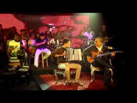 Felipe Pelaez & Manuel Julian - Mi Celosa Hermosa - YouTube