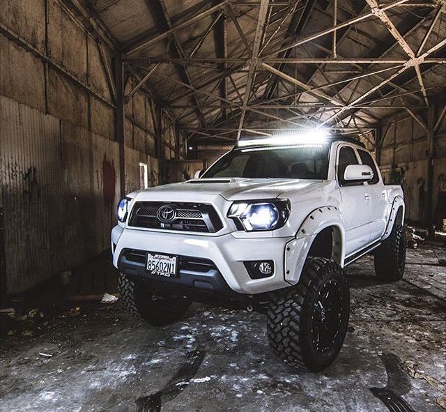 05 Toyota Tundra: 17 Best Ideas About Lifted Tacoma On Pinterest