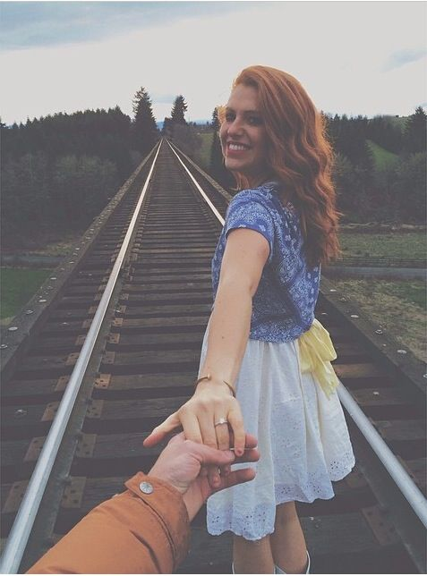 Engagement Photo (show off the ring!)♡ via Audrey Botti & Jeremy Roloff