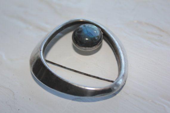 Paula Häiväoja ~vintage silver and labradorite brooch, 1964.
