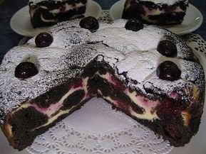 Meggyes, túrós kevert sütemény