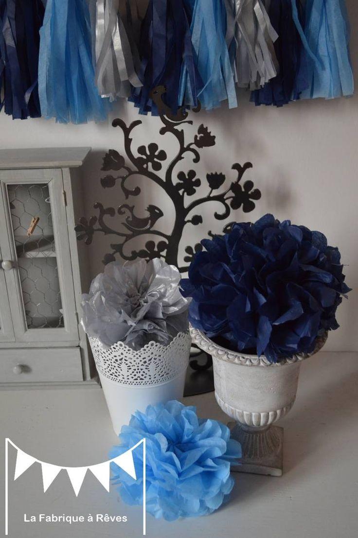 12 pompons papier soie bleu ciel bleu nuit argenté , décoration mariage ,  décoration chambre enfant , accessoires photobooth
