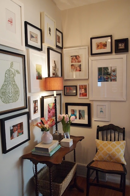 mix 'n' match gallery wallDecor Ideas, Cozy Corner, Black Doors, Gallery Walls, Photos Wall, Gallerywall, Small Spaces, Pictures Wall, Wall Gallery