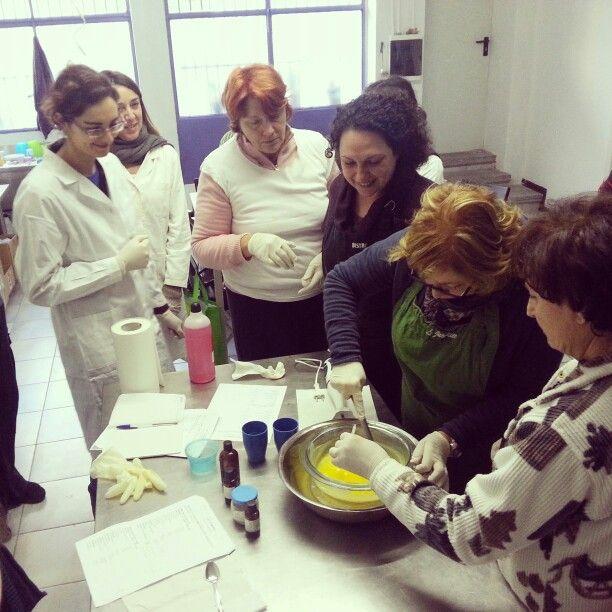 Corso di cosmesi naturale primo livello a Milano - creme e balsami