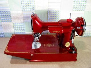 Pretty red featherweight!! But I wouldn't mind another black one.... you can never have too many featherweights!