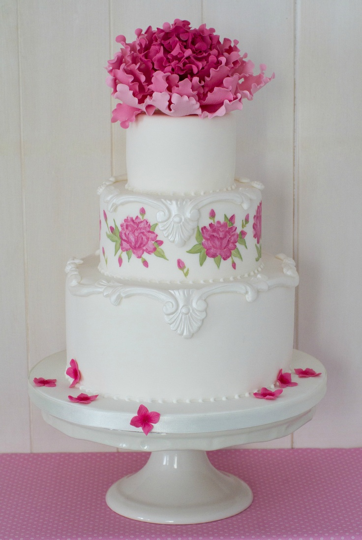 Peony hand painted cake / Pastel pintado a mano con peonía de azúcar www.cakeshautecouture.com