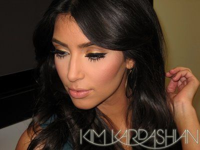 I LOVE KIM KARDASHIAN  from her clothes, to her hair, to her lifestyle to, of course, her make up. Her trademark is a really natural look, big lashes, nude lips and baby pink cheeks.She was Realy Reality Star,But A Queen..Queens Of Queens Kim Kardashian.