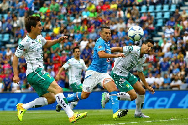 Cruz Azul vs Leon en vivo hoy - Canales de tv y horarios para ver el partido Cruz Azul vs Leon en vivo hoy por la LigaMX entra y revisa la información que tanto buscas.