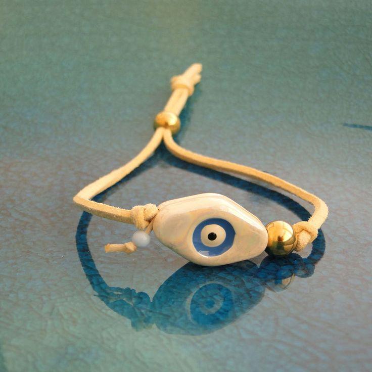 Κορδόνι σουετ - Κεραμικό μάτι - Χρυσές χάντρες από ατσάλι  Ρυθμιζόμενο μήκος