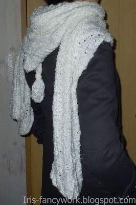 My Fancywork Blog: Белый шарф с капюшоном из букле связанный на спица...