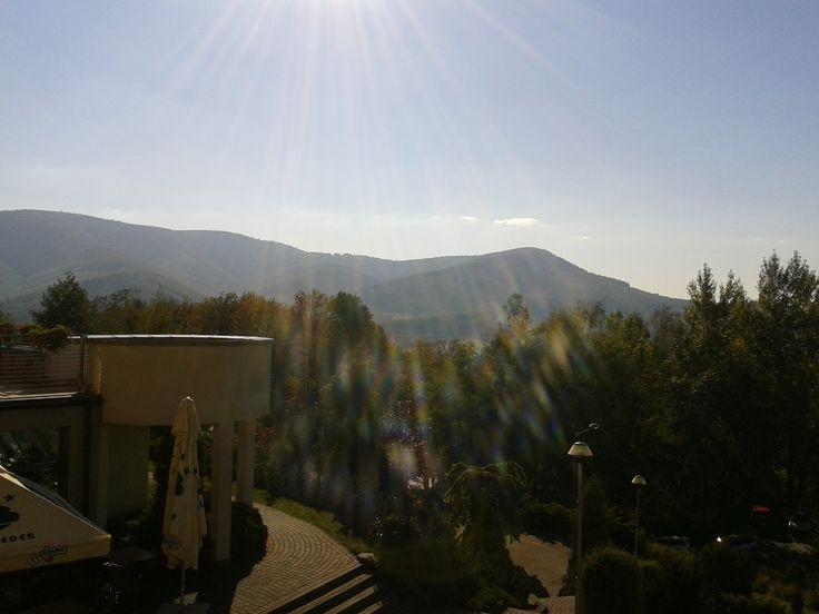 Taki widok mamy teraz za oknem. :) Organizatorzy sympozjum trafili w pogodę! ;)