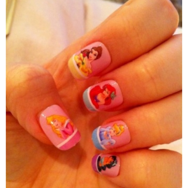 Disney Princess Tiana Waterfall Nail Art: 1000+ Ideas About Princess Nail Designs On Pinterest