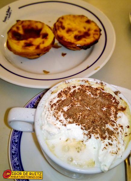 Belem (Lisbona) - Foto rapida fatta con il cellulare per evitare che i miei compagni di viaggio si facessero fuori tutti i pasteis de nata.