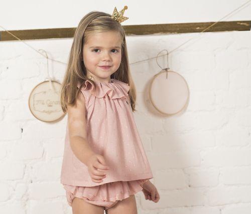 Baby Lovelya--Conjunto de blusa con ranita, en color rosa empolvado, ranita con detalle de volante con tul.Composición: 100% algodón.