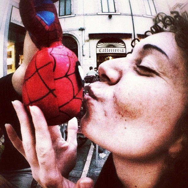 "Spider Man Latin Lover  ""#igersitalia_swspidermantour ehi tu porco levale le mani di dosso "" #amazingspiderman"