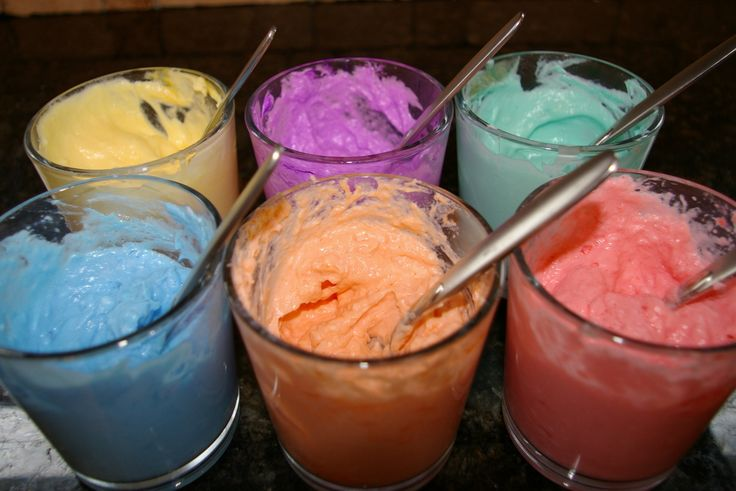 Bathtub paint! Love her blog... So many fun kid crafts and experiments