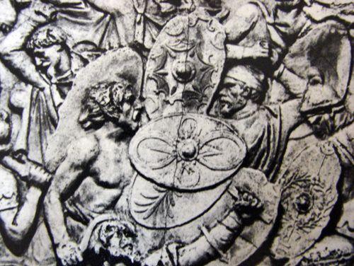 """Religia si ritualurile religioase au jucat un rol important în comunitatea dacilor, sustin istoricii. O serie de marturii despre viata stramosilor nostri ofera amanunte neobisnuite despre modul în care oamenii si în special preotii daci se raportau la divinitate. Getii """"se stiu face nemuritori"""", scria istoricul Herodot în urma cu doua milenii si jumatate, prezentând…"""