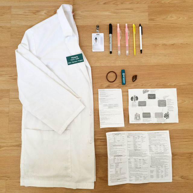 What's In My White Coat | Pharmacy Student