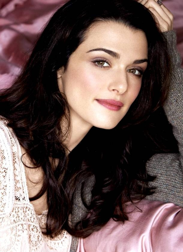 Rich hair-color, porcelain skin...pretty. Rachel Weisz.