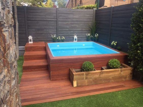 modern above ground pool decks ideas wooden deck round pool lawn stone slabs pool landscaping Hot Tub Backyard, Small Backyard Patio, Backyard Patio Designs, Pergola Patio, Patio Ideas, Backyard Ideas, Diy Patio, Patio Fence, Budget Patio