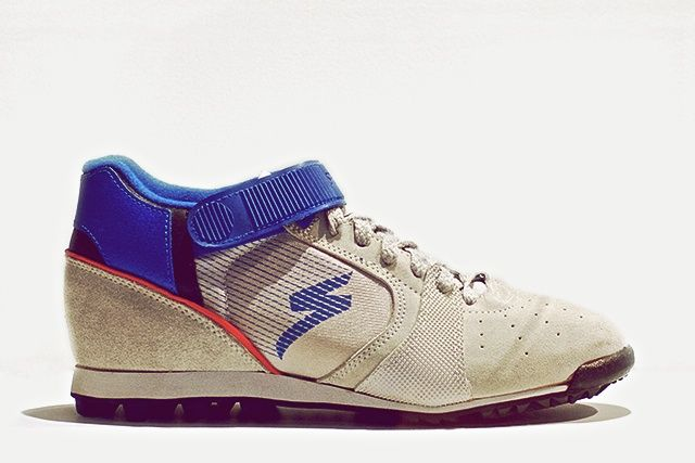Inspiration strikes at ground level  //  Specialized touring shoes in collaboration with Nike  //  1988  //  #first40