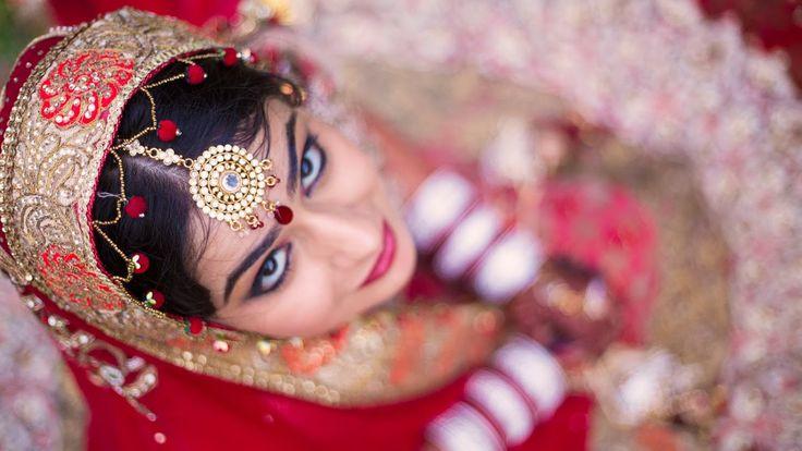 """❣️ White Lily Studios """"Portfolio"""" album  #weddingnet #wedding #india #indian #indianwedding #ceremony #indianweddingoutfits #outfits #backdrops #prewedding #photographer #photography #inspiration #gorgeous #fabulous #beautiful #jewellery #jewels #details #traditions #accessories #lehenga #lehengacholi #choli #lehengawedding #lehengasaree #saree #bridalsaree #weddingsaree #tikka #earrings #pune #gold #darkblue"""