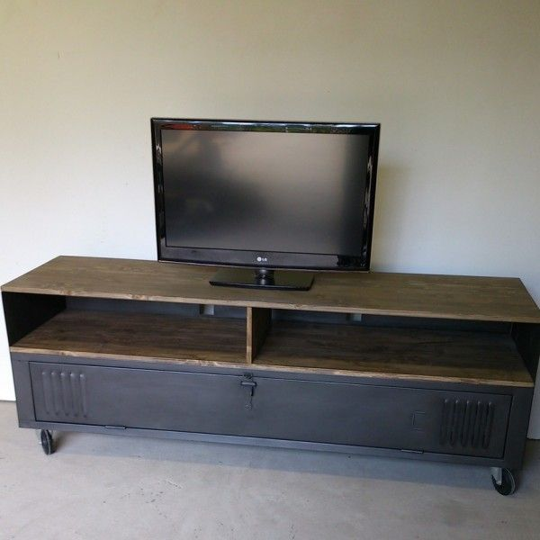 meuble tv acier bois ancien vestiaire mes envies de d co pinterest tvs. Black Bedroom Furniture Sets. Home Design Ideas
